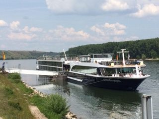 Avalon waterways ship World Travellers Riccarton